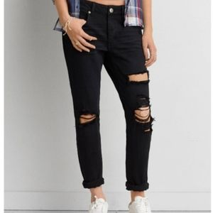 AEO Tomgirl distressed jeans size 14
